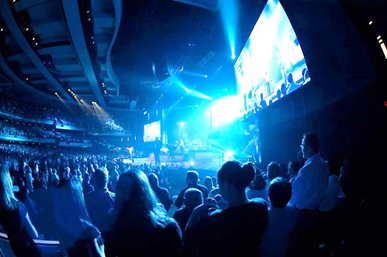 Hitachi Cameras Enhance Worship Experiences for Willow Creek Church