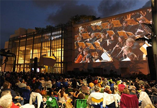 New World Symphony is transitioning to live production of its world-renowned outdoor WALLCAST™ concert experience with native 4K UHD resolution